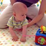bebés al suelo, imagen de fisioinfancia.com